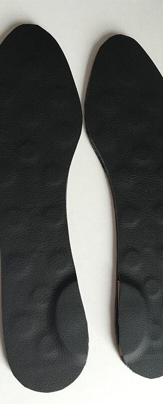 Paire de semelles posturales magnétiques